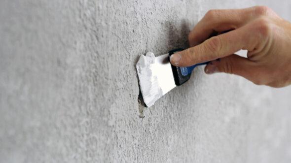 Sånn maler du mur og betong – grov vegg